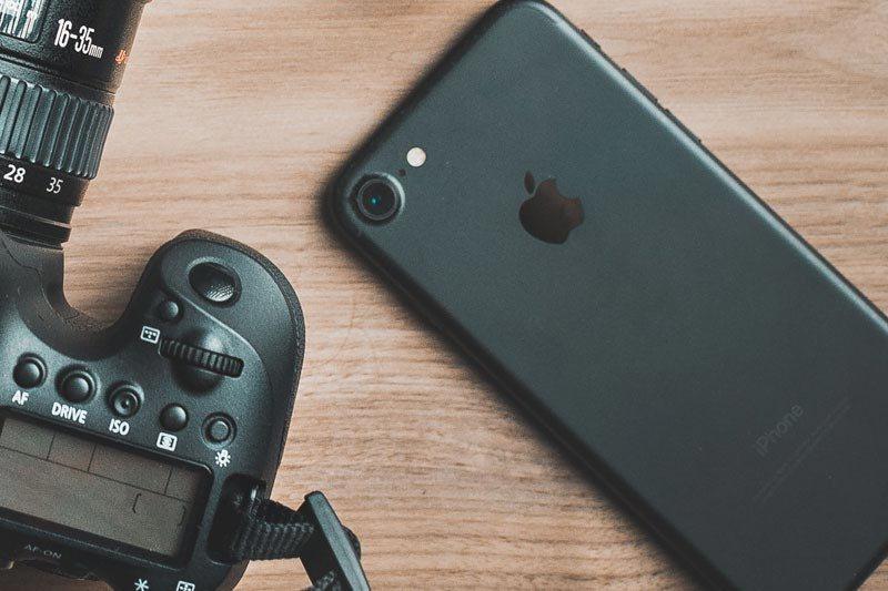 smartphone-for-vlogging.jpg
